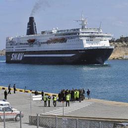 Sardegna, insorgono albergatori e consumatori: traghetti troppo cari. Ecco come difendersi