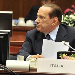 Berlusconi: «Riforma delle pensioni domani in Cdm, parlerò con Bossi». L'età del ritiro salirà a 67 anni, abolite quelle di anzianità (AP Photo)