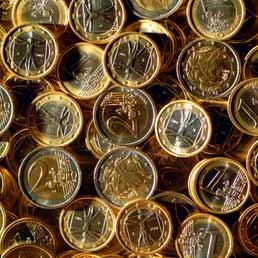 Il monetario, un mercato da 4mila miliardi al giorno. Il retail ci punta ma rischia l'over confidence (Imagoeconomica)