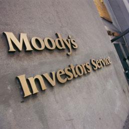 Moody's prende le distanze da S&Poor's e conferma la Tripla A della Francia