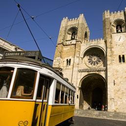 Per il Portogallo tassi su livelli insostenibili. Si riaffaccia l'ipotesi ristrutturazione