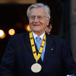 Trichet: contro la crisi dei debiti serve un ministro delle finanze europeo
