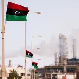 Raffineria di petrolio in Libia. Sett 23, 2011 (AFP)