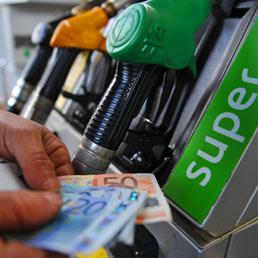 Benzina, in arrivo un miniaumento delle accise da 75 milioni