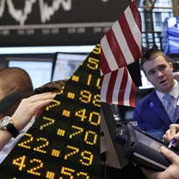 Il Tesoro colloca BoT a 6 mesi per 12,15 miliardi: il tasso scende all'1,2% (tre mesi fa era al 6%)