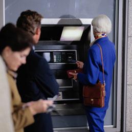 Conti correnti gratis ai pensionati e mutui (Corbis)