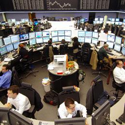 24837b7bb6 Chiusura debole per Wall Street che, comunque, brucia le perdite accumulate  all'inizio di giornata. Il Dow Jones perde lo 0,09% a 13.267,36 punti, ...