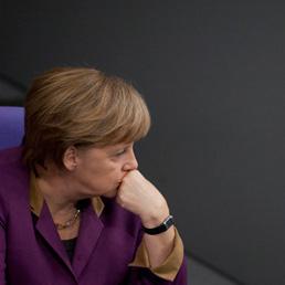 Merkel: anche con gli aiuti non c'è la certezza al 100% di salvare la Grecia (Reuters)