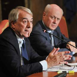 Giuliano Pisapia e Bruno Tabacci (Fotogramma)
