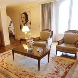 """Nella foto la suite """"Grace Kelly"""" del Carlton Hotel di Cannes dove ha alloggiato il presidente Usa Barack Obama durante il G20 del 3-4 novembre 2011 (Afp)"""