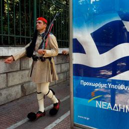 La Grecia declassata a Paese emergente, rischio fuga di capitali - Fine delle trasmissioni per la tv pubblica: licenziati in 2.800