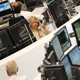Borsa: bene Milano, occhi su Telecom, crolla Saipem (-18%) oggi cda per offerte Ti Media, stop al ribasso controllata Eni