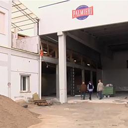 Nella foto i lavori di ricostruzione dello stabilimento del salumificio Palmieri