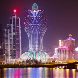 Nel 2012 Macao ha messo a segno ricavi per 39 miliardi di dollari, contro i 6,2 miliardi di Las Vegas (Corbis)