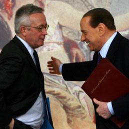 Berlusconi nega frizioni con Tremonti: dovremmo fargli un monumento, sì alle primarie ma senza infiltrati