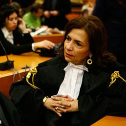 In tribunale vincono i dubbi (Emblema)