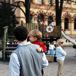 Novità 2013, il congedo parentale si potrà utilizzare anche a ore (Fotogramma)