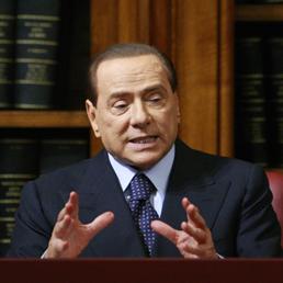 Berlusconi: se mi condannano vado in cella. Poi fa dietrofront