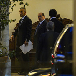 Tra Letta e Berlusconi tregua per il governo, accordo sul rinvio per l'Iva - La grana degli F35 - Biancofiore: Marina, il nostro Renzi