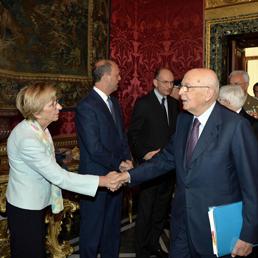 Napolitano: il Parlamento non può porre veti all'Esecutivo. Consiglio di difesa: sugli F35 decide il Governo