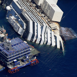 Al via lunedì la rimozione della Costa Concordia - Foto