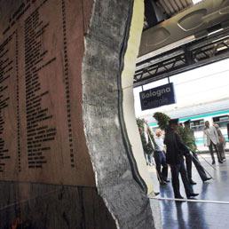 Strage di Bologna, Avvocatura dello Stato chiede 1 mld a Mambro e Fioravanti