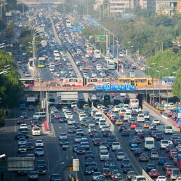 Cina, più strade per assorbire più macchine (di produzione nazionale)