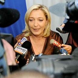 Sondaggio: Marine Le Pen in testa, per la prima volta, al primo turno delle presidenziali francesi del 2012