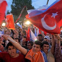 Elezioni in Turchia: Erdogan verso una vittoria a metà