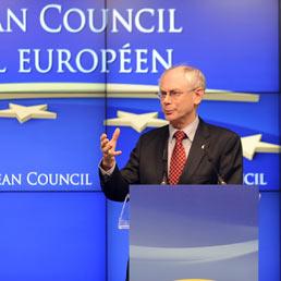 Van Rompuy e Barroso alla conferenza stampa dopo il raduno dell'Unione europea (AFP)