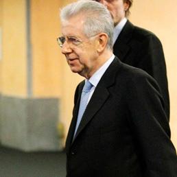 Monti riunisce la task force anti-evasione: recuperati 12 miliardi nel 2011 ma si può fare di più (Ansa)