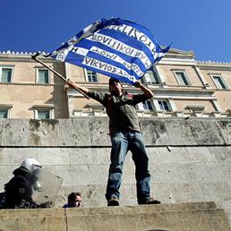 Grecia, adesioni a swap del debito all'85,8. Venizelos: mancano sette miliardi (Epa)