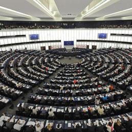 Quanto guadagnano gli eurodeputati? Anche l'878% in più del reddito medio Ue - La replica dal Parlamento Ue