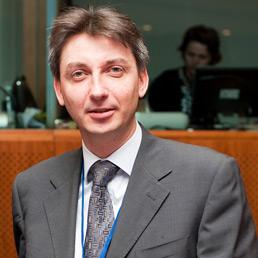 Jacek Dominik