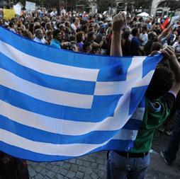 Hedge funds scommettono sui bond greci - I negoziati tra i 3 partiti della coalizione continuano