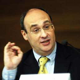 Antonio Vitorino, ex Commissario Ue agli Affari interni, oggi Presidente del think tank europeo Notre Europe (Fotogramma)