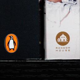 La casa editrice piú grande del mondo: Random House, controllata dal gruppo tedesco Bertelsmann, e Penguin, di proprietá del gruppo Pearson. (Epa)
