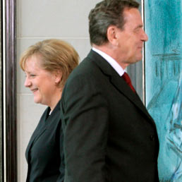 Angela Merkel e Gerhard Schroeder (Corbis)