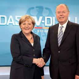 Angela Merkel e Peer Steinbrueck (Ap)