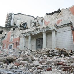 Terremoto a l'Aquila: rinviati a giudizio per omicidio colposo sette componenti della commissione Grandi rischi