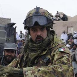Alpino perde la vita in afghanistan fuori pericolo i quattro feriti