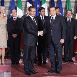 Berlusconi-Sarkozy, segnali di pace (Epa)