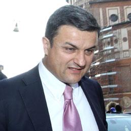 Il Pdl scarica Lassini e la Moratti lancia l'ultimatum: la mia candidatura incompatibile alla sua in lista. Nella foto Roberto Lassini (Ansa)