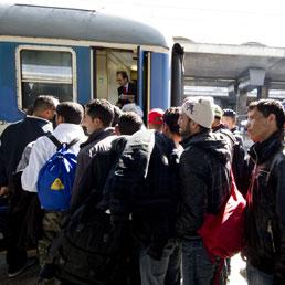 La Francia pensa di sospendere il trattato di Schengen per arginare i migranti