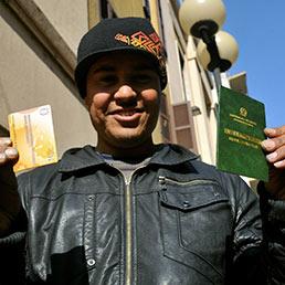 La francia fa passare i migranti muniti di permesso in for Permesso di soggiorno per motivi umanitari art 11