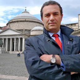 Il sindaco di Napoli Luigi De Magistris (Ansa)