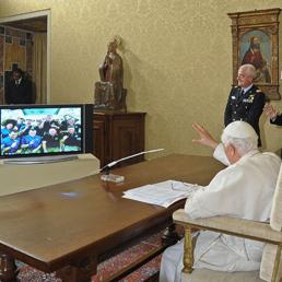 Il Papa chiama gli astronauti della Stazione spaziale internazionale: «Santità, benvenuto a bordo»