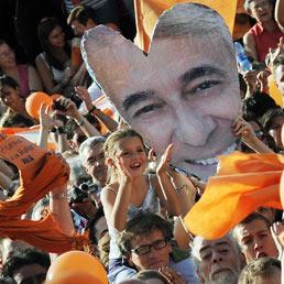 Pisapia sindaco di Milano: abbiamo vinto con il sorriso e l'ironia