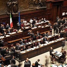 Spending review doppio stop al governo poste e ferrovie for In diretta dalla camera dei deputati
