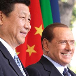 Il vice presidente cinese Xi Jinping e il presidente del Consiglio Silvio Berlusconi (Ap)
